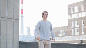 Ansel Elgort plays Jonathan in 2018 sci-fi drama