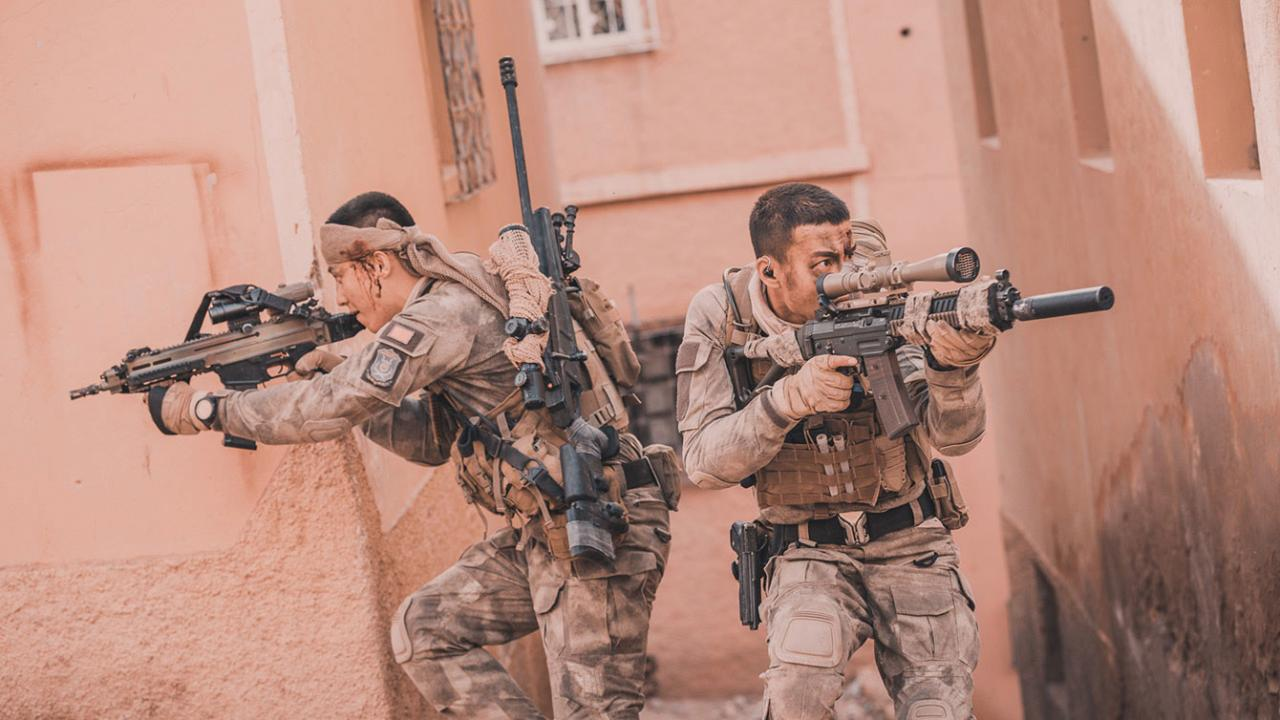 Two soldiers defend themselves with bullets in OPERATION RED SEA by Well Go USA