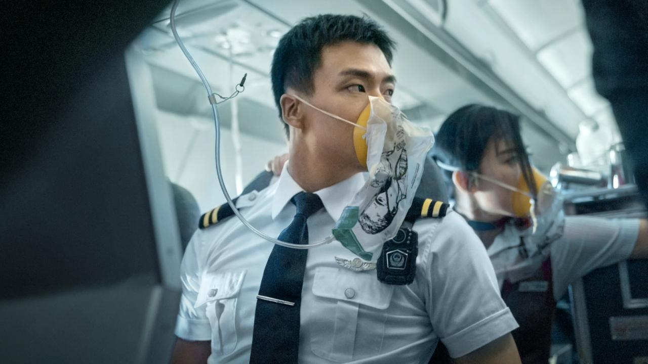 Flight attendant on Sichuan Airlines braces for impact.
